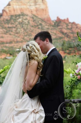 Kiss Under the Red Rocks